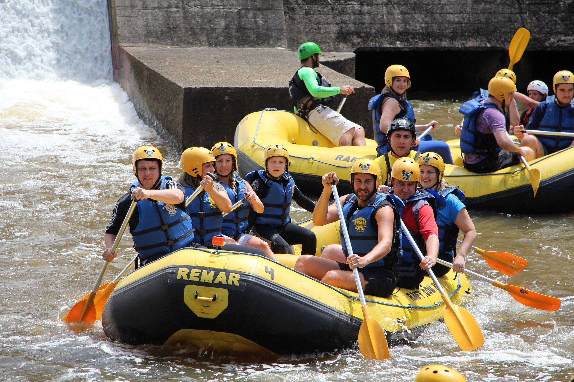 CANOEING AND RAFTING ON THE ELBE RIVER