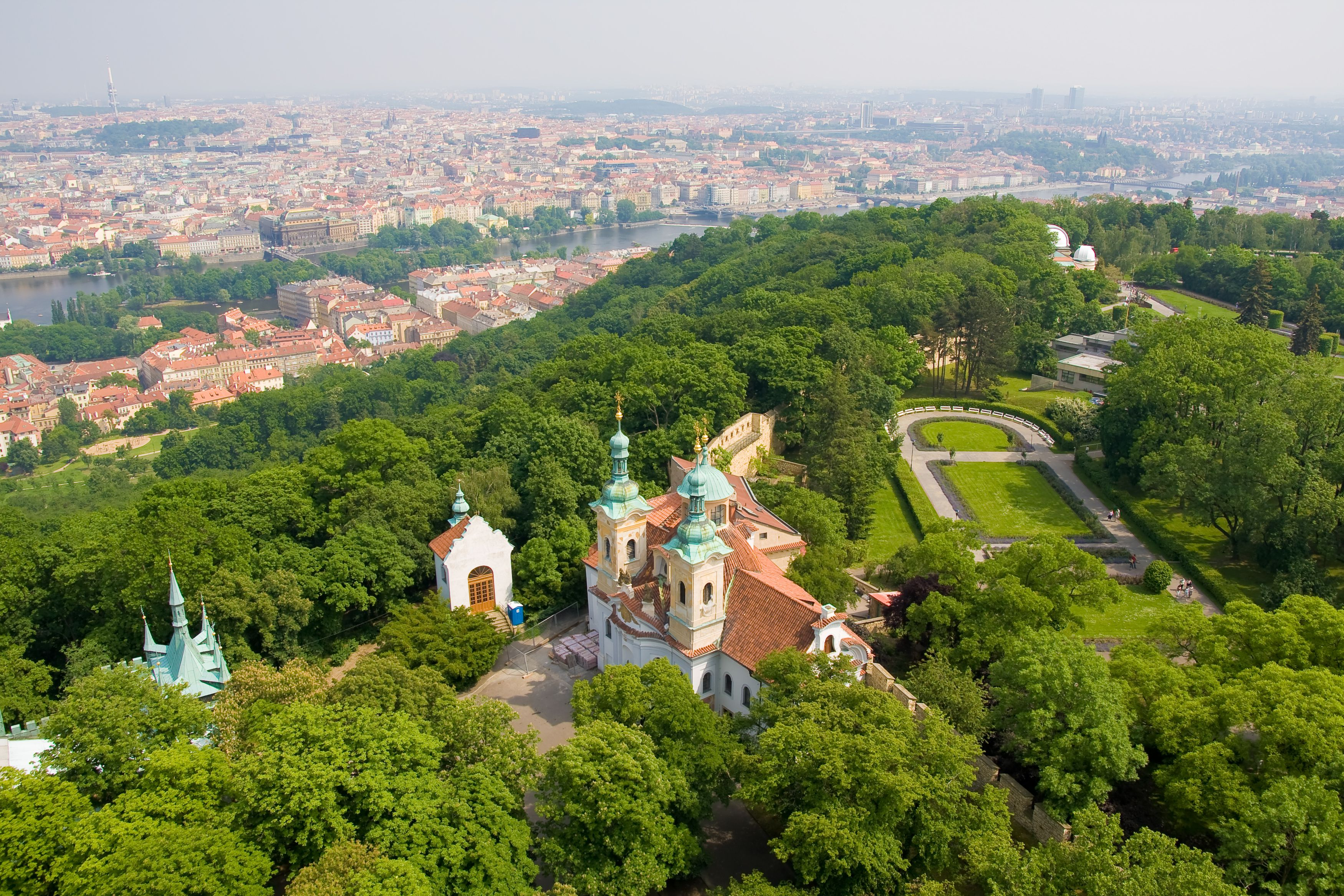 Prague Well on Way to Meet City's Goal of Planting Million Trees in Eight Years